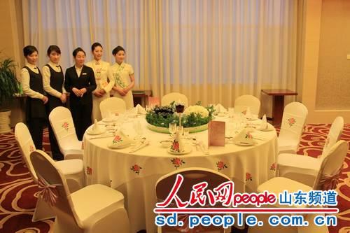 中餐宴会摆台精彩作品图片
