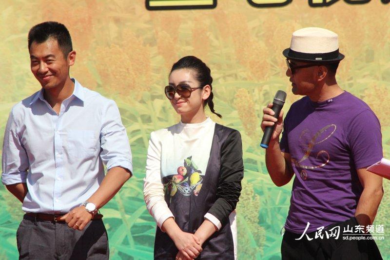 著名演员秦海璐参演《红高粱》角色。(摄影 张岩)