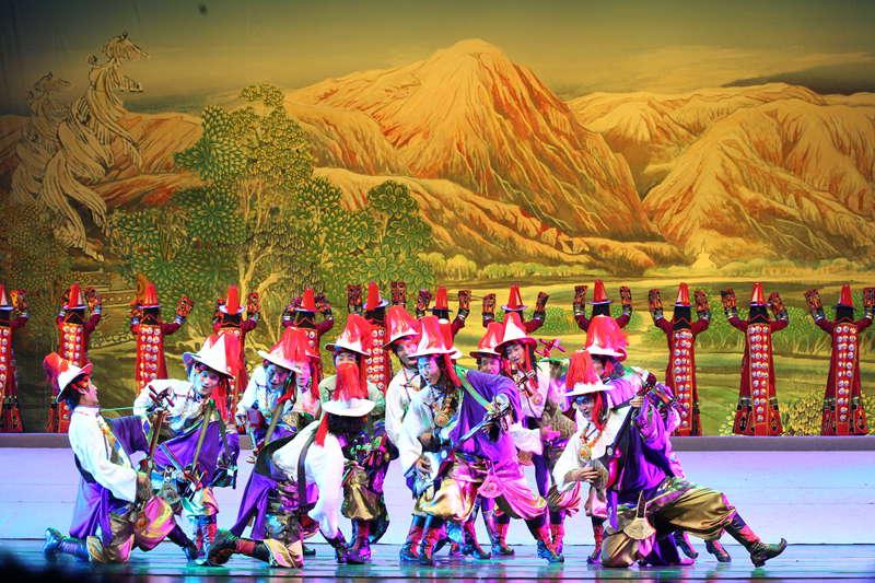 青海省藏剧团黄南州民族歌舞剧院歌舞《热贡神韵》【5