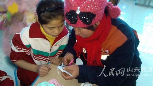 剪纸艺术进学校上海v学校课程做活校园校本牛津东港小学英语版3b图片