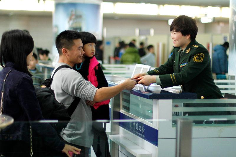 塔城市成新疆陆路口岸首个实现公民出境旅游