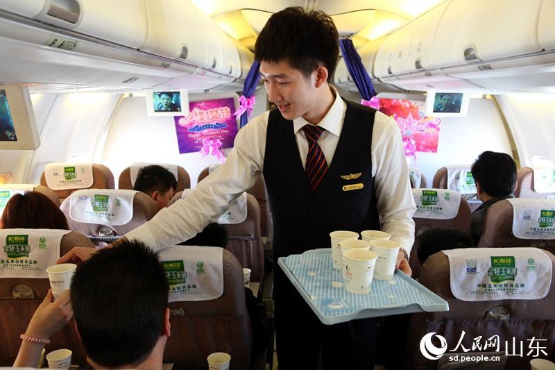 在sc1169济南飞往广州航班上