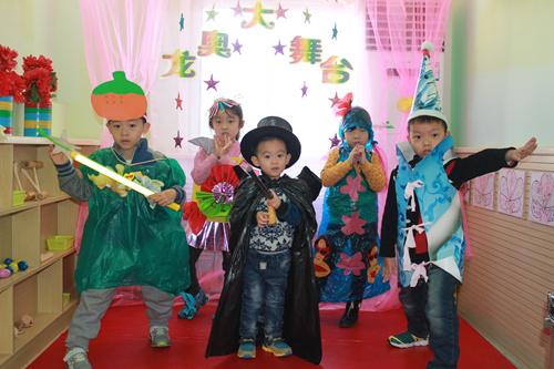 济南幼儿园环保时装秀图片