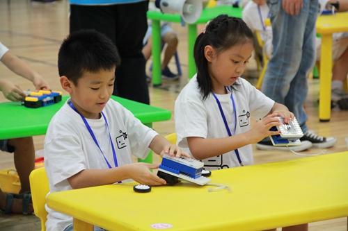 我们的科学思维团队在幼儿教育的道路上做出了自己的探索和创新;我们