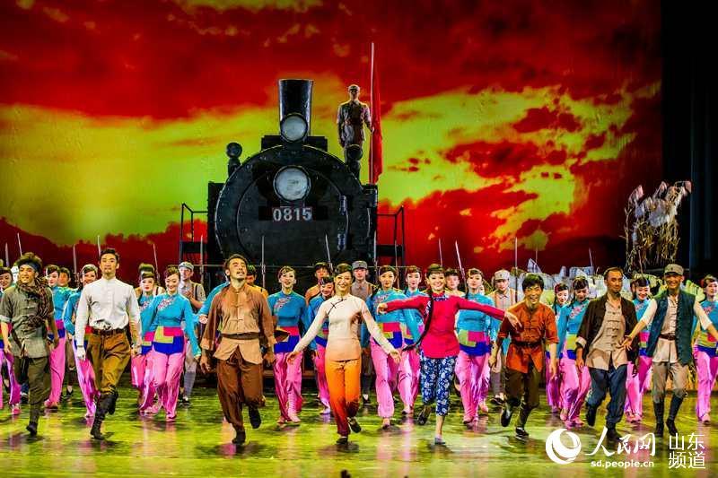 总政歌舞团 铁道游击队 在戏舞交融中感受正能量