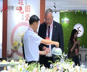 第十七届淄博国际陶博会开幕         9月6日,第十七届中国(淄博)国际陶瓷博览会暨山东省第十六届广告节在中国陶瓷科技城开幕。