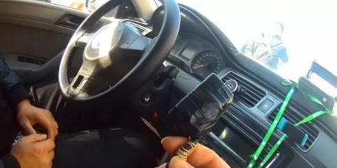 出租车原地不动计价器2秒跑出100米费用