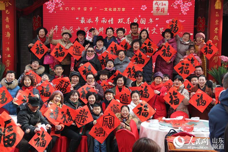 山东青岛:江宁会馆看大戏,劈柴院里闹新春