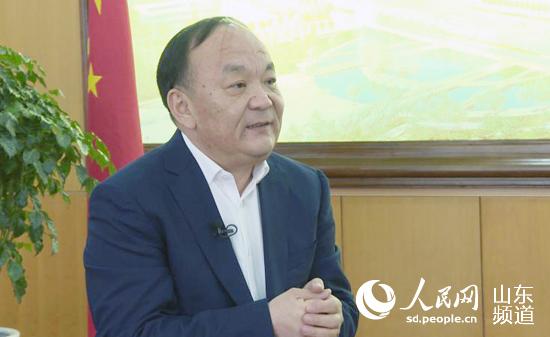 滨州市委副书记,市长宇向东接受人民网采访.(摄影 刘祺)