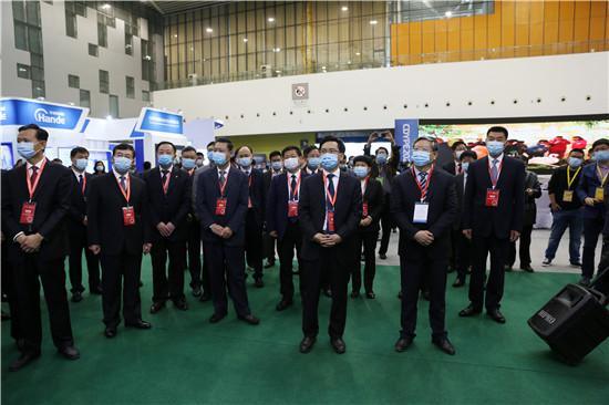 第十三届中国(东营)国际石油石化装备与技术展览会开幕