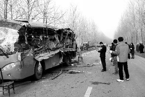 枣庄一客车蒙城出车祸 造成9人死亡8人受伤