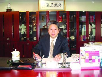 目前,青岛饮料集团旗下的崂矿,华东,青葡三公司均设立了技术研发中