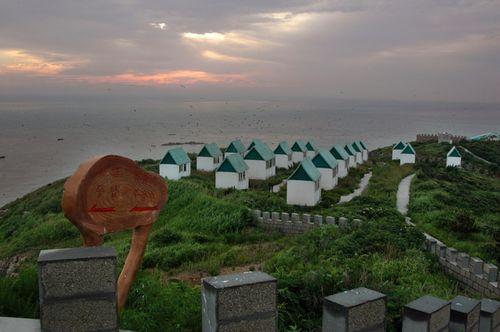 山东频道 威海视窗 旅游威海           西霞口村位於威海荣成,是我国